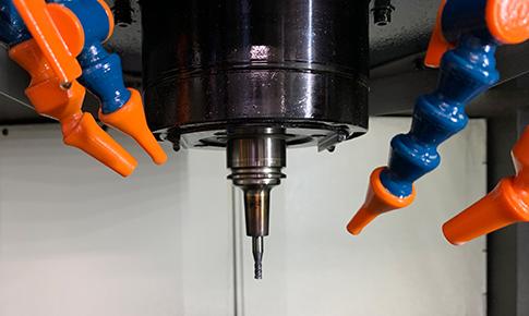 高硬度材の切削加工
